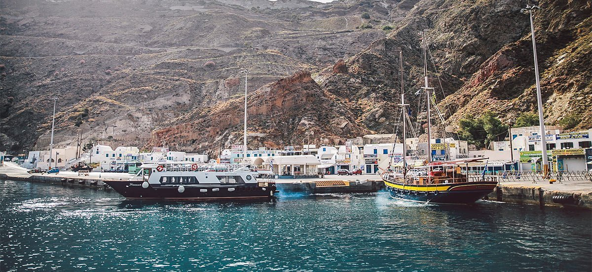 Ormos Athinios port santorini